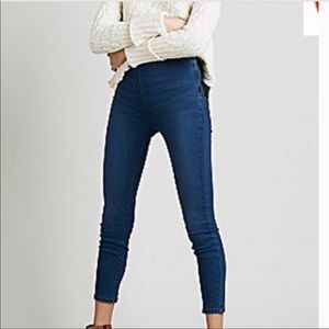 Free People skinny cropped jeans